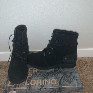 NWT! The North Face Boots